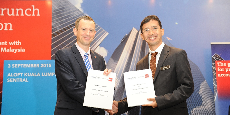 Sponsorship Worth RM3Million For  1000 Malaysian Undergrads